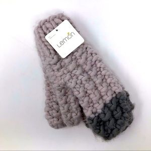 Lemon Seattle Puff Chunky Knit Puff Tip Mittens OS
